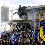 """""""Ma, kakva korona, Inter je šampion"""": Ludnica u Milanu, na hiljade navijača slavi Skudeto! (VIDEO)"""