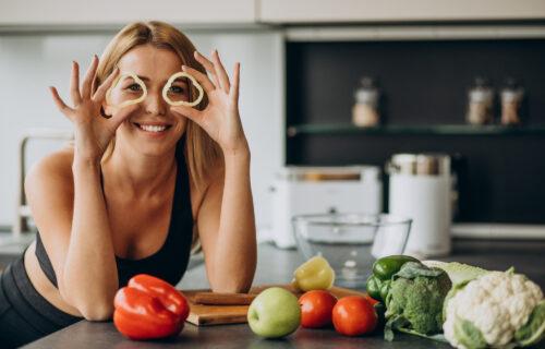Kuvajte na PARI, jedite domaće voće i povrće: Pravila sezonske ishrane koja POMAŽU kod hroničnih bolesti