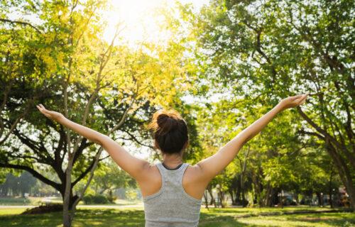 Počnite od sutra: Vežbe pomoću kojih možete da POBOLJŠATE svoje zdravlje za samo 180 sekundi
