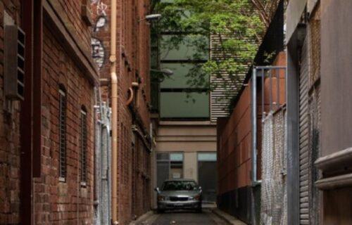 """Stanari zgrade ostavili poruku """"preglasnoj komšinici"""", pa postali HIT na internetu (FOTO)"""