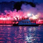 """Bakljada """"delija"""" okupala Beograd u crveno-belo: Scene za istoriju, ovo se retko kada viđa (VIDEO)"""