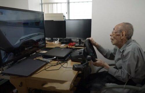 Bivši taksista ima 93 GODINE i majstor je manevrisanja: Postao JUNAK virtualnih trka (VIDEO)