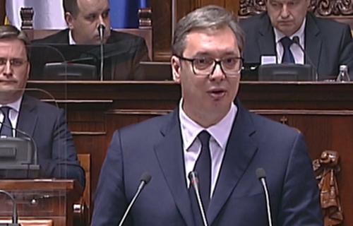Kurti PET PUTA pitao kad ćemo priznati Kosovo, ogovorio sam - NIKADA: Snažan aplauz za Vučića u Skupštini