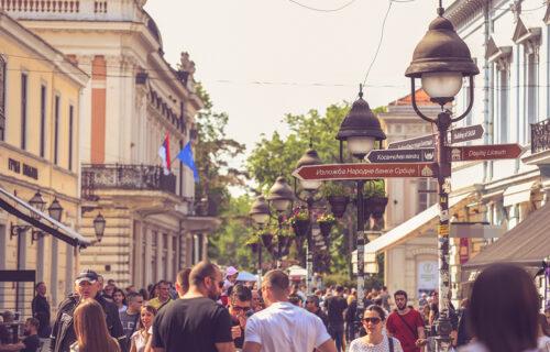 Vedro jutro u Srbiji: Do ponedeljka sveže, a sledeće nedelje nas očekuje TOTALNI OBRT vremena