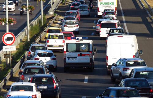 Vozači OPREZ: Zbog ovih stvari su OTEŽANI uslovi na putevima