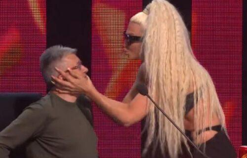 Jelena Karleuša usred emisije Sašu Popovića POLJUBILA u usta: Njegova REAKCIJA se prepričava (FOTO)