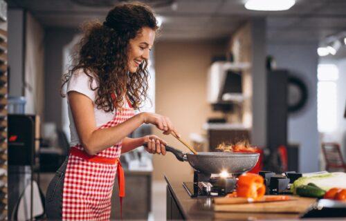 Sedam jednostavnih trikova kako da lako preživite KUVANJE po velikoj vrućini