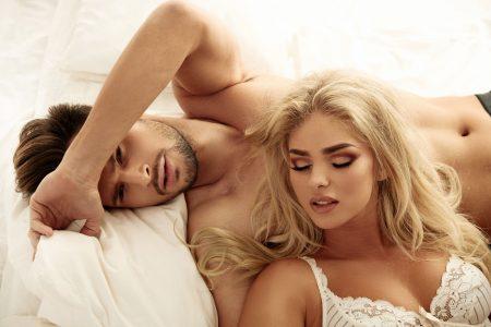 Dečko ne želi da spava sa mnom i kad sam se skinula gola, izbacio me je napolje, a razlog me je šokirao!