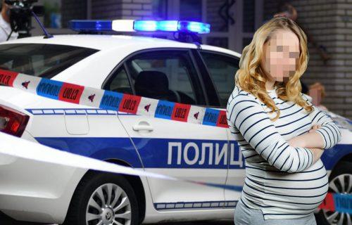 HOROR u selu kod Ljiga: Trudnica (16) u porodičnoj kući NOŽEM iskasapila muža