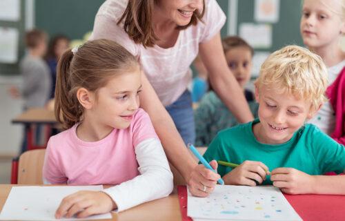 Vreme je za dobre ocene: Kako MOTIVISATI dete da uči, čak i kada ono to ne želi?