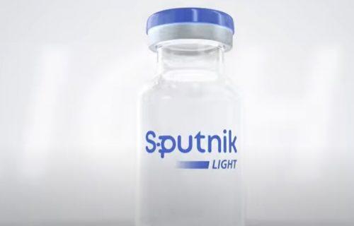 """Zvanično POTVRĐENO: Rusija pustila u opticaj vakcinu protiv korone Sputnjik """"lajt"""""""