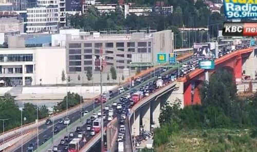 KOLAPS u Beogradu: Velika GUŽVA na auto-putu, evo kakva je situacija u ostalim delovima prestonice (FOTO)