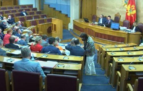 Oglasili se iz Demokratskog fronta: Krivokapića, Abazovića i Bečića podržava samo 14 od 41 poslanika