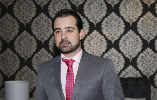 Ova voditeljka i jutjuberka je SESTRA Stefana Buzurovića: PRELEPA je, a kažu i da liči na brata (FOTO)