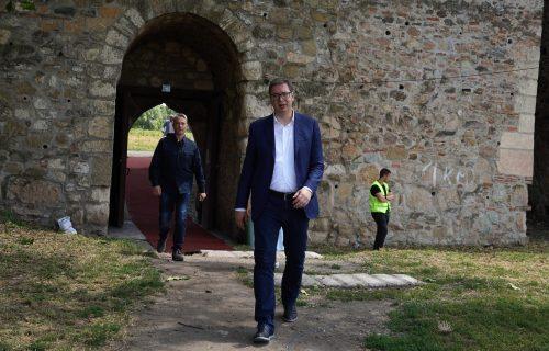 "Vučić u Smederevu: ""Nemamo problema u budžetu, uprkos koroni - biće para još više"" (VIDEO)"