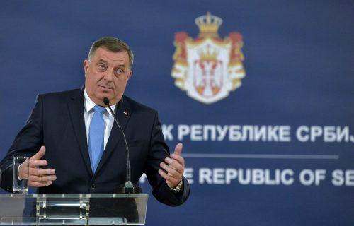 """Dodik poslao jasnu poruku: """"Crnogorski poslanici koji su glasali za Rezoluciju NISU DOBRODOŠLI u Srpsku"""""""