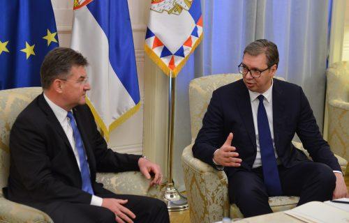 """""""Uskoro ću obavestiti javnost"""": Završen sastanak Vučića i Lajčaka, jedina tema - situacija na severu KiM"""
