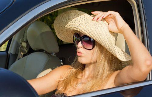 Letnje muke vozača: Spušteni prozori ili uključena klima, šta troši više goriva?