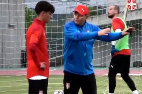 Piksijeve specijalne metode: Pogledajte kako selektor savetuje fudbalere Srbije (VIDEO)