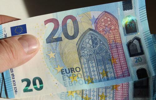 Od novembra kreće PRIJAVA za 20 evra: Evo ko i kako može da aplicira za novac, kao i kad da ga OČEKUJE
