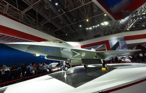 Sudbina FC-31 pod velom misterije: NEVIDLJIVI lovac u službi kineske mornarice? (FOTO+VIDEO)