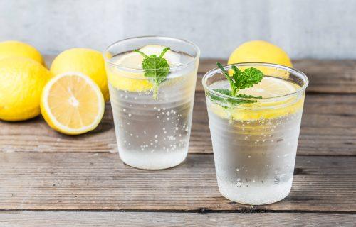 Istraživanja su pokazala: Koliko je mineralna voda ZDRAVA za organizam i kada ne bi trebalo da je pijete?