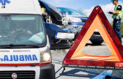 SUDAR kombija i automobila kod Novog Pazara: Od posledica ŽESTOKOG udara nekoliko povređenih