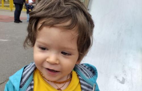 Za Ilijin PRVI KORAK: Pomozimo malom junaku da pobedi bolest (FOTO)