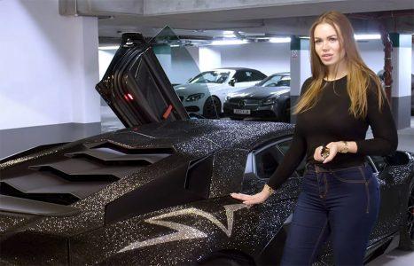 Njen Lamborghini prekriva DVA miliona Swarovski kristala: Šta će reći Kim Kardašijan (VIDEO)