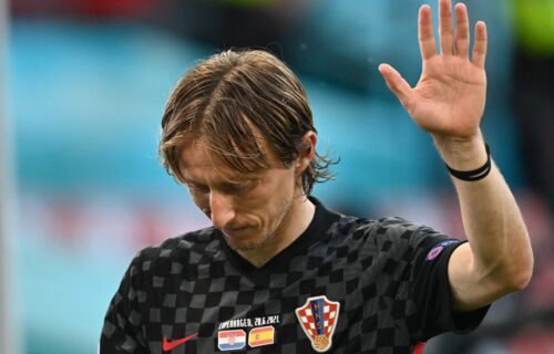 SRAMOTA: Hrvati koristili ustaški grb na Evropskom prvenstvu! (FOTO)