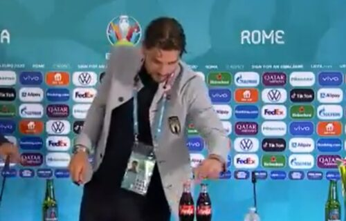 Nastavlja se udar na poznato osvežavajuće piće: I zvezda Italije sklonila flašicu sa Koka-Kolom (VIDEO)