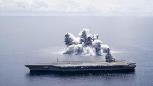 Šokantni snimci: Aktivirano 20 tona eksploziva pored nosača aviona, pogledajte rezultat (VIDEO)