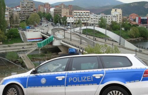 PUCNJAVA u Kosovskoj Mitrovici: Žrtva ranjena dok je pecala na Ibru