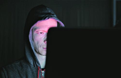 Pedofili vrebaju na društvenim mrežama u Srbiji: Predstavljaju se kao lekari, pa traže slike GOLE DECE