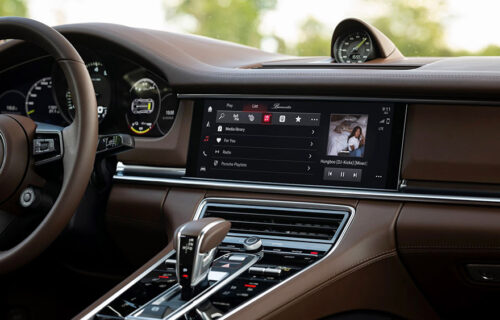 Budite u svom filmu: Porsche infotejnment sistem prilagođava MUZIKU vašoj vožnji (VIDEO)