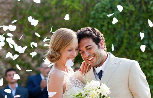 Početak ZAJEDNIČKOG života ima i prednosti i mane: Osam stvari koje vas očekuju tokom PRVE godine braka