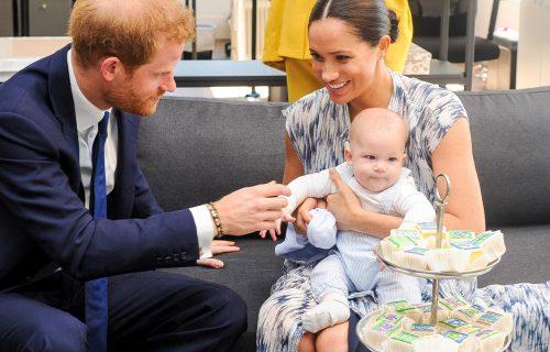 Kraljevska porodica ČESTITALA Megan i Hariju prinovu: Vilijam i Kejt poslali poklon uz SPECIJALNU poruku