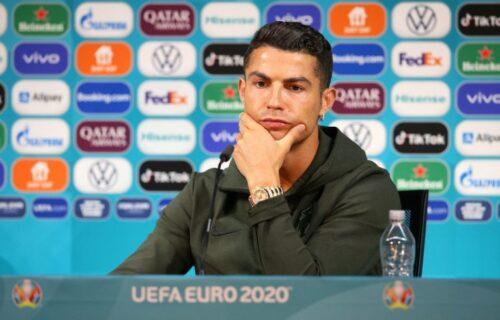 UEFA donela konačnu odluku: Nema više pomeranja flašica na konferenciji za štampu!