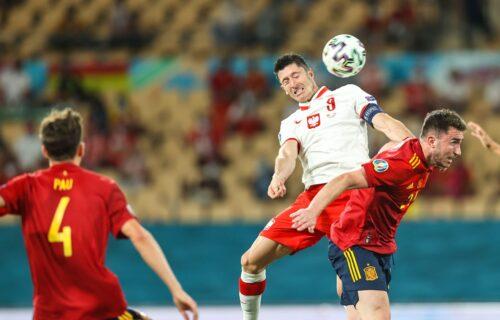 Španci ne znaju gde biju: Levandovski otkinuo bod, tragičar Moreno promašio penal! (VIDEO)