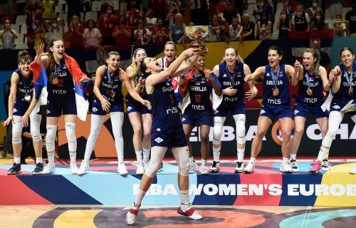 Devojke, verujemo u vas: Srpske košarkašice otputovale u Tokio!