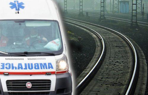 Teška NESREĆA kod Velike Plane: Voz udario dečaka dok je prenosio bicikl preko pruge