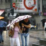Srbija između ciklona i anticiklona! Meteorolozi UPOZORAVAJU: Naša zemlja će se naći na udaru jakog VETRA