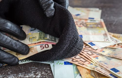 Prevaranti HARAJU Srbijom: Pričali dva sata, uzela mu 350 evra, pa joj se IZGUBIO svaki trag