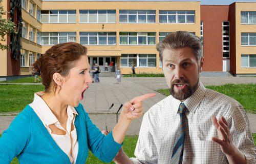 """SRAMNO! Dušanova majka napala razrednog jer nije SREDIO ocene, pa poručila: """"Prijatan dan, zaslužili ste"""""""