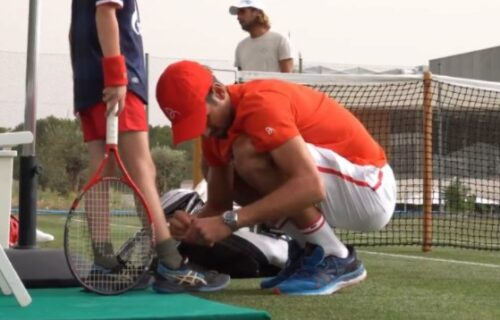 Novak vezivao pertle Stefanu, a Đokovićev sin oduševio navijače Zvezde (VIDEO)