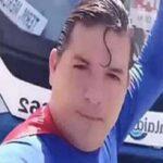 """""""Supermen"""" pokušao da zaustavi autobus: To mu je bila velika greška (VIDEO)"""