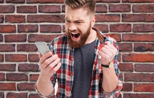 Sin mu je UJAK! Tiktoker proveravao svojoj devojci telefon, pa saznao da ga redovno vara sa DEDOM (VIDEO)