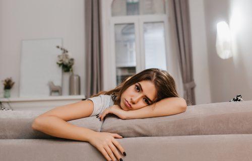 Osoba zanemaruje svoje kvalitete: Šta je kompleks MANJE VREDNOSTI, kako nastaje i koji su simptomi?