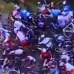 Ovo nije gužva na pijaci, već Tur de Frans: Biciklisti padali kao kegle, navijač izazvao haos (VIDEO)