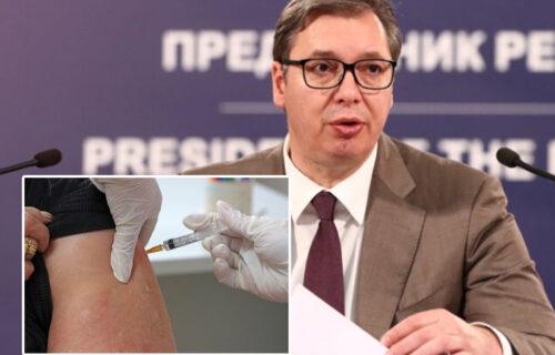 """""""Korona se vraća na jesen"""": Vučić apelovao na građane da se VAKCINIŠU"""